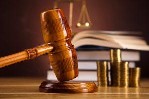 Eine Abmahnung ist laut Mietrecht bei einer Pflichtverletzung des Mietvertrags möglich.