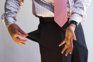 Ohne triftigen Grund als Arbeitnehmer fristlos zu kündigen, bedeutet finanzielle Kürzungen beim Arbeitslosengeld.
