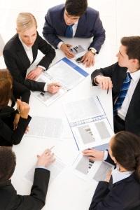 Der Betriebsrat muss befragt werden, bevor eine außerordentliche Kündigung von einem Arbeitsvertrag ausgesprochen wird.
