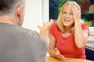 Eine fristlose Entlassung kann auch zu familiären Problemen führen.