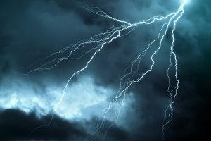 Kann aktueller Sport durch Unwetter länger als 30 Tage nicht gesendet werden, ist eine fristlose Kündigung bei Sky möglich.
