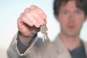 Für die fristlose Kündigung einer Wohnung kann ein Muster hilfreich sein.