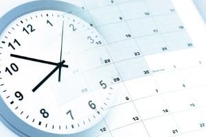 Die gesetzliche Kündigungsfrist von einem Arbeitsvertrag liegt bei vier Wochen.