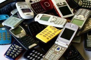 Unter Umständen ist es möglich, den Handyvertrag fristlos zu kündigen.